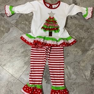 Twin Girls 4T Christmas 2Pc Outfit by Blueberi EUC